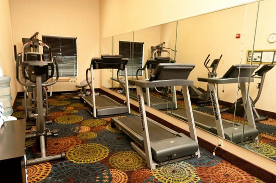 Holiday Inn Express & Suites: Fitness Center