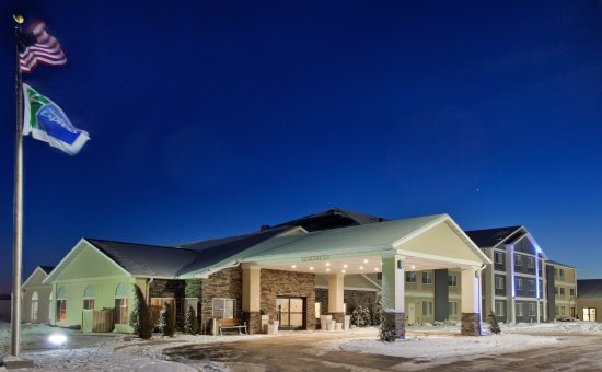 Holiday Inn Express and Suites Beatrice