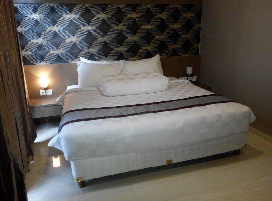 Viva Hotel Kediri by Frontone