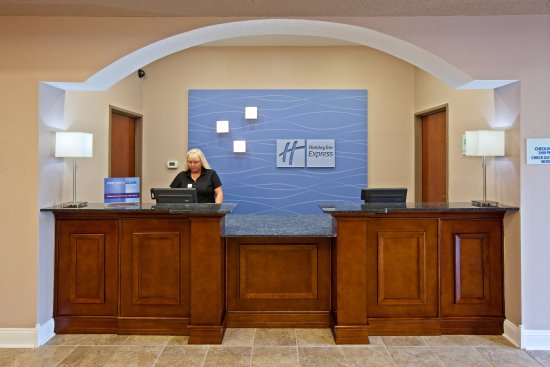 Bedford, IN: Front Desk