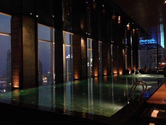 Evening at the infinity pool picture of four seasons - Shanghai infinity pool ...