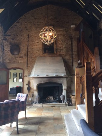 Shipton under Wychwood, UK: Reception