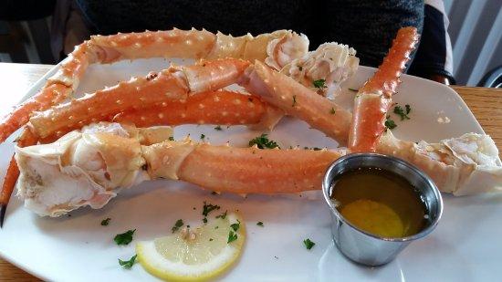 Crab Cracker Seafood Bar: 1 pound of King Crab.