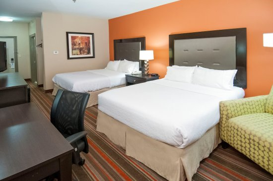 Holiday Inn Opelousas: Double Queen Suite Guest Room