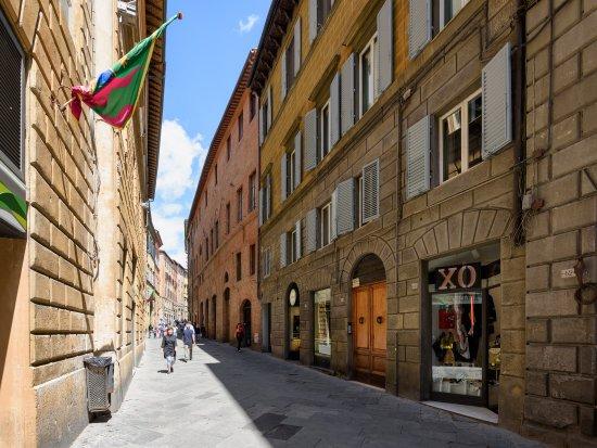 Casa di osio 61 8 1 prices b b reviews siena for Accomodation siena