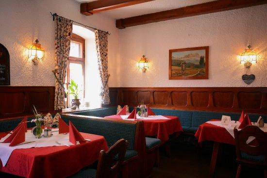 Traditionsgasthof Weißbacher: Weinstube