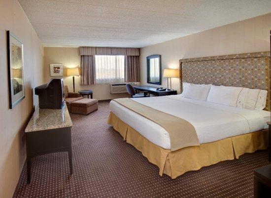 Holiday Inn Express Palatine-Arlington Hts Chicago NW-King exec.