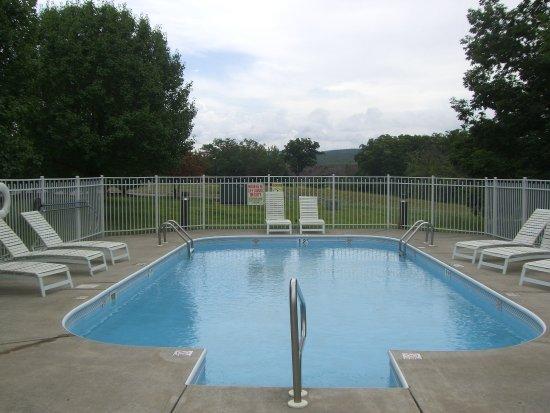 Pittston, PA: Swimming Pool