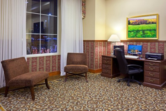 Holiday Inn Express Wilkes-Barre/Scranton Airport: Business Center - Great Room
