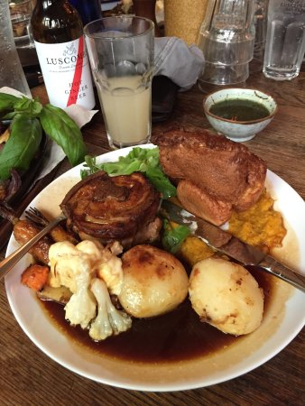 Ringmore, UK : Amazing Sunday roast