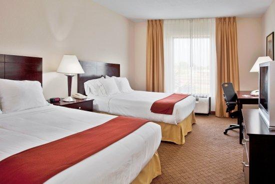 Port Richey, FL: Queen Bed Guest Room
