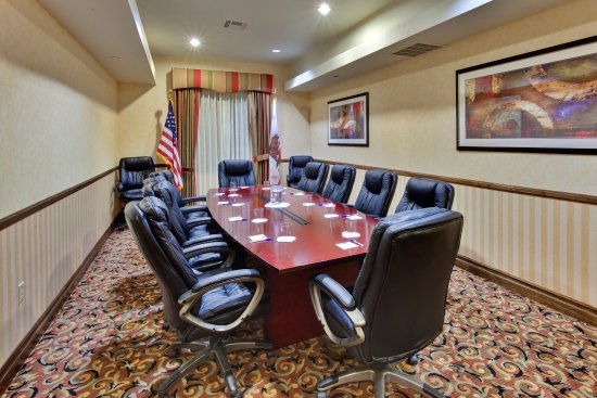 Beaumont- Oak Valley Boardroom