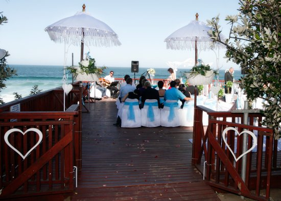 Diaz Hotel & Resort: Perfect location for your dream beach wedding!