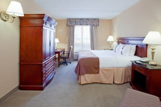Holiday Inn Hotel & Suites Aggieland: Suite