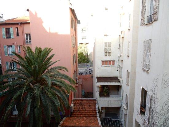 Nice Excelsior Hôtel : 中庭に面していたので、眺めは良くありませんでした。