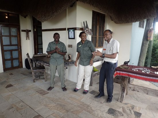 Saadani National Park, Tanzania: Saying good bye from the staff
