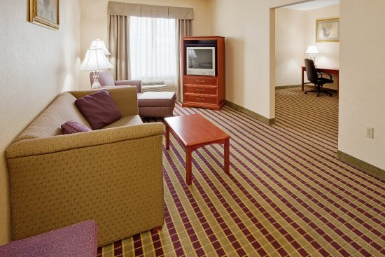 Holiday Inn Express Bloomsburg: Suite