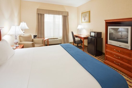 Holiday Inn Express Bloomsburg: King Bed Guest Room