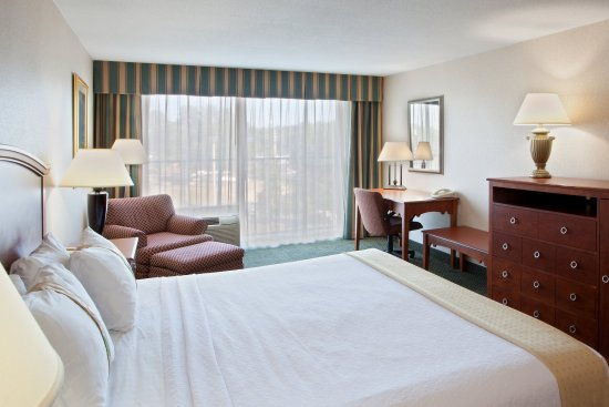 Holiday Inn Charlottesville - University Area: King Bed Guest Room