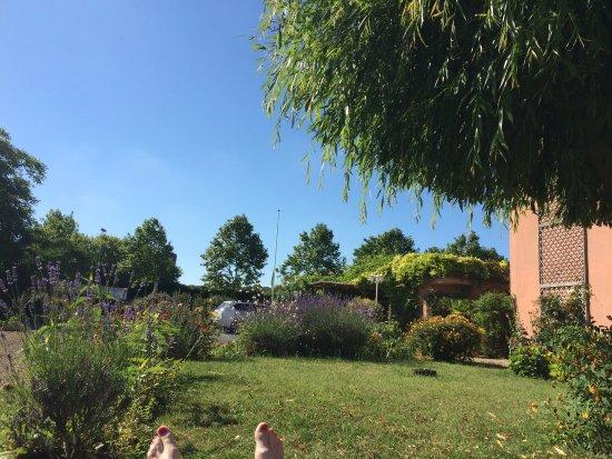Hotel Au Sans Souci: Accueil très chaleureux, jardin plus que magnifique!