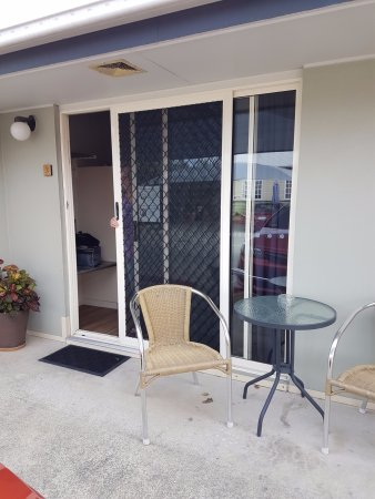 Best Western Caboolture Central Motor Inn: Room Entrance, A bit outdated being sliding doors.