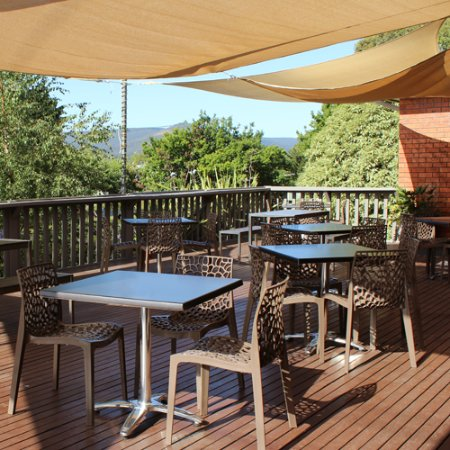 Macedon, Australia: Relax on our deck