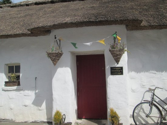 Oldcastle, Irlanda: Maggie Heaney's traditional 3 room Irish cottage.
