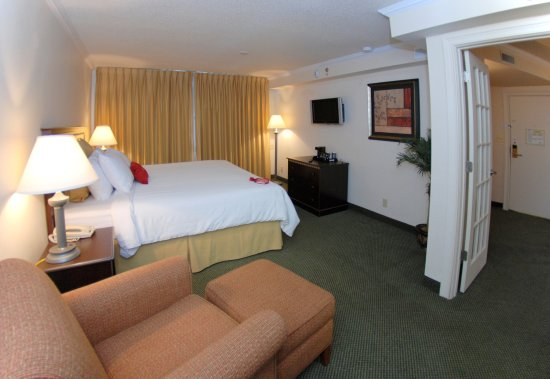 Lenexa, Канзас: Crowne Plaza Kansas City - Overland Park King Suite