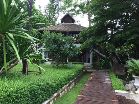 Quarter Hotel: Serene