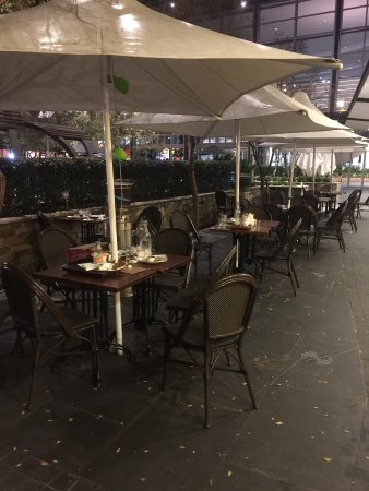 Charlestown, Australia: The ignored wreckage of past customers littered most tables