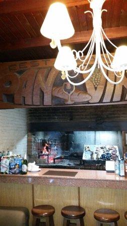Durazno, Uruguay: Parte del local y decoracion del restaurante Pan y Vino