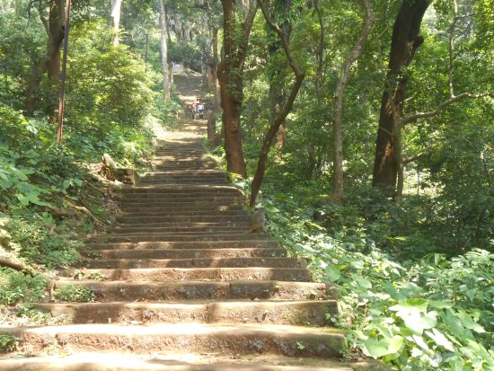 Dhenkanal, Indien: way to the temple