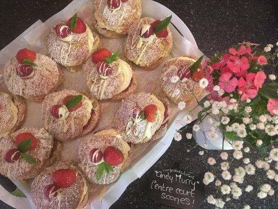 Lisnaskea, UK: Fresh Cream and Strawberry Jam Scones