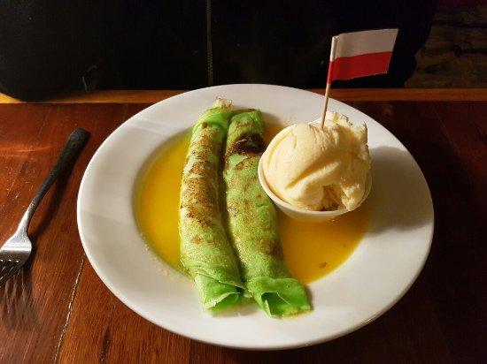 Burra, Avustralya: Crepe Suezzette with Cointreau sauce and vanilla ice cream. Yum :)