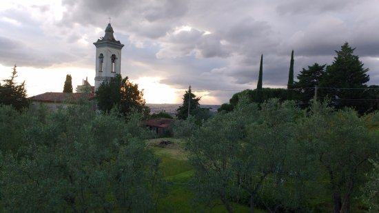 Bagno a Ripoli, Italien: View from the La Gargotta Restaurant terrace, idyllic!
