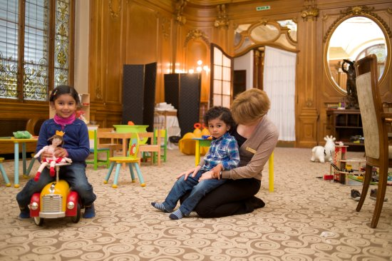 Foto de sunday brunch au palace montreux kids 39 corner for Au jardin les amis sunday brunch