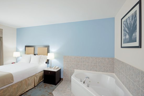 Plainville, MA: Jacuzzi Suite