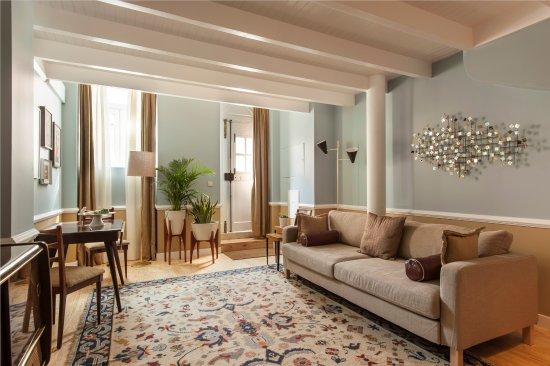 Casa Amora Guesthouse: Almada Studio Duplex Living Area