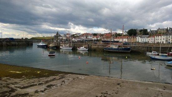 St Monans, UK: St. Monans Harbour from East Pier Smoke House