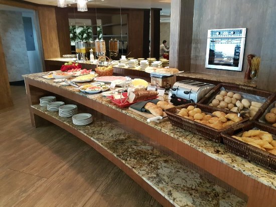 Bufete de desayuno - Picture of Sercotel Panama Princess 1c17a948109