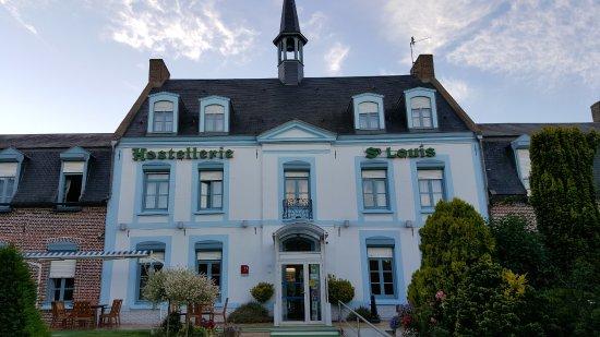 Bollezéele, France : Ingang