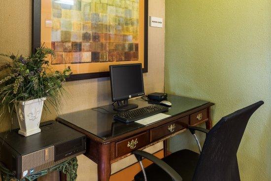 Rodeway Inn : Business Center