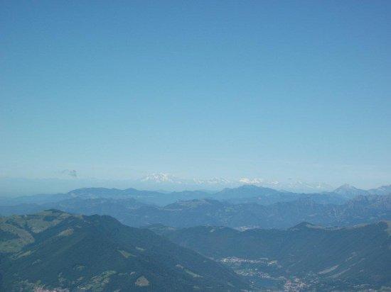 Zone, Italia: Monte Rosa visto dal monte Guglielmo