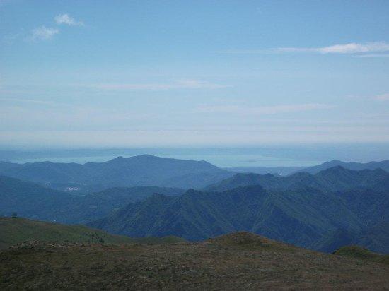 Zone, Italia: Sirmione vista dal monte Guglielmo