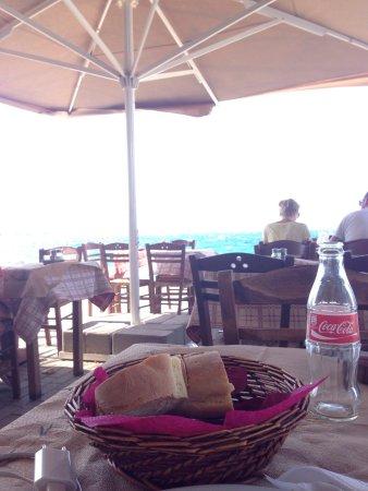 Aigio, Griechenland: Great traditional restaurant!