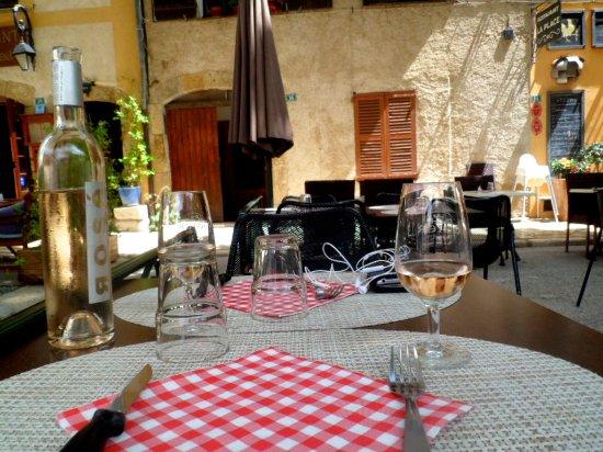 Tourtour, Prancis: Ресторан