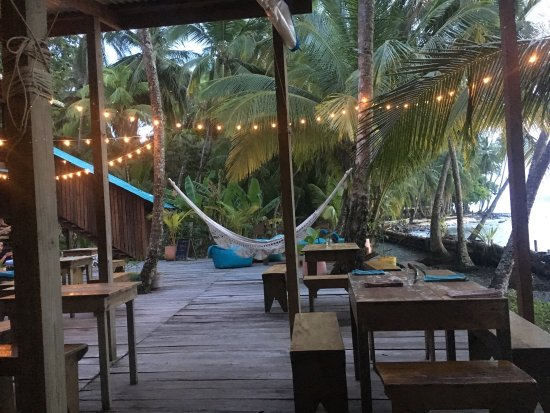 Остров Бастиментос, Панама: The Firefly Bocas del Toro