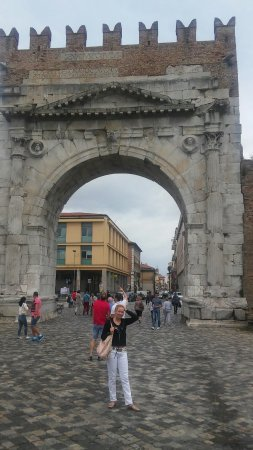Arco d'Augusto: 20160715_111321_large.jpg
