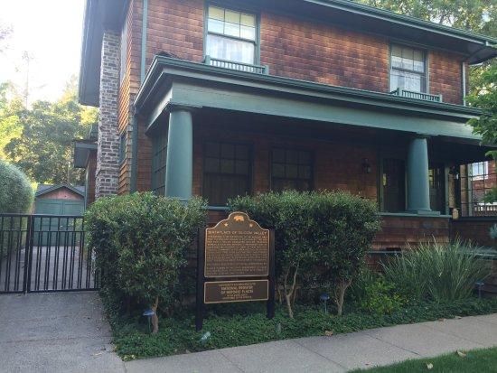 """Hewlett Packard Garage: Birthplace of """"Silcon Valley"""" house"""