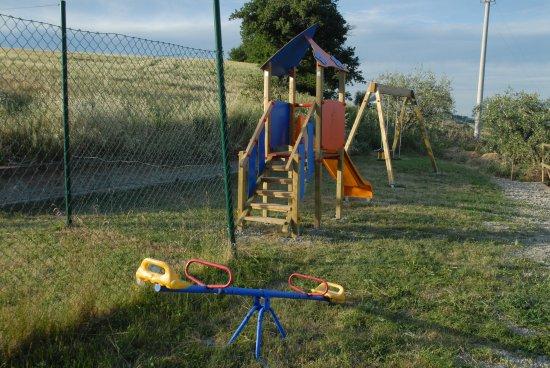 Arcevia, Italia: playground area